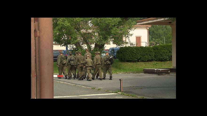 Video Milan Brunclík a Aleš Hazuka o vojenských posádkách