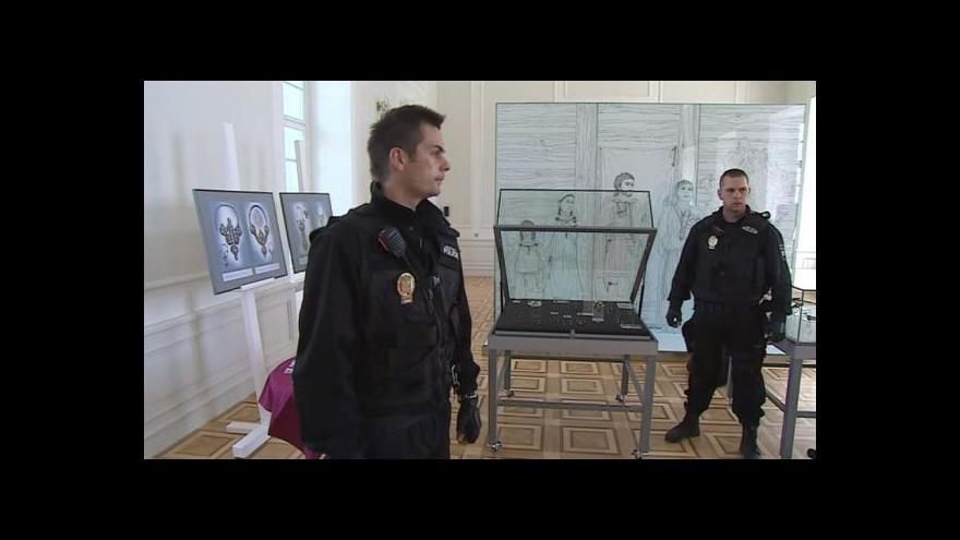 Video NO COMMENT: Výstavu doprovází přísná bezpečnostní opatření