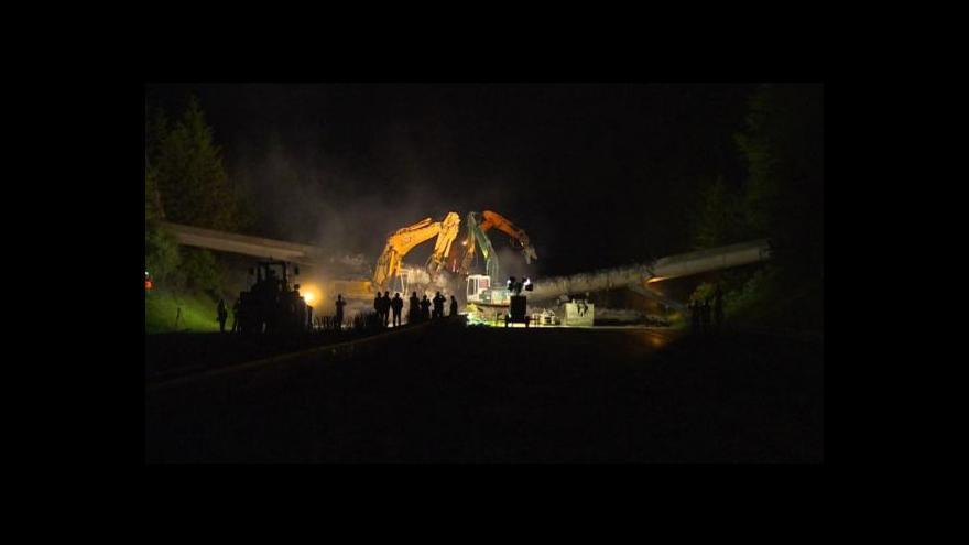 Video Události o bourání mostů na D1