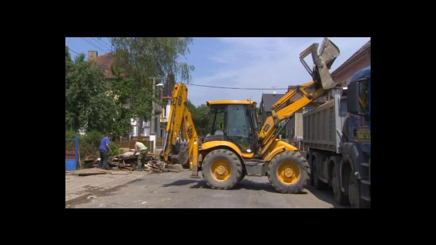 Video Škody po povodních stále rostou