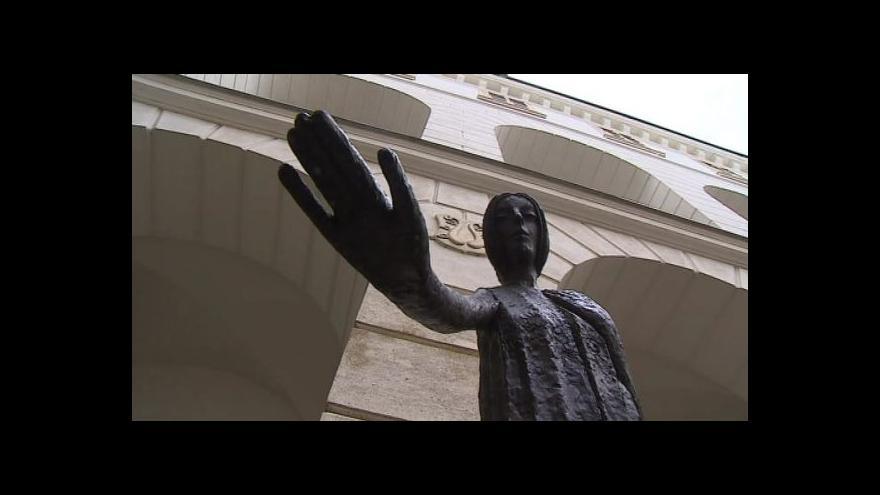 Video No comment: Zahájení výstavy na lysickém zámku
