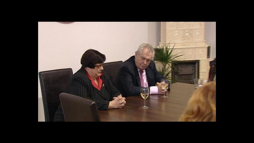 Video ČSSD vyzve Benešovou, aby opustila stranu