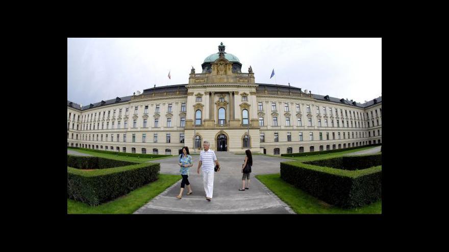 Video Rusnok pokračuje v hledání ministrů