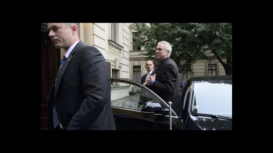 Video Vládní krize: Prezident dnes rozhodne - zřejmě solitérsky