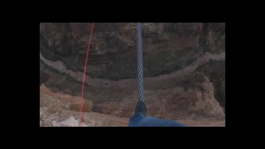 Video Wallenda zdolal Velký kaňon
