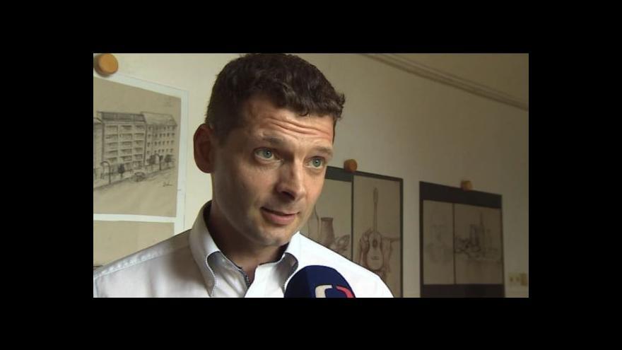 Video Petr Šimčák vysvětluje, proč se rozhodl do školy investovat