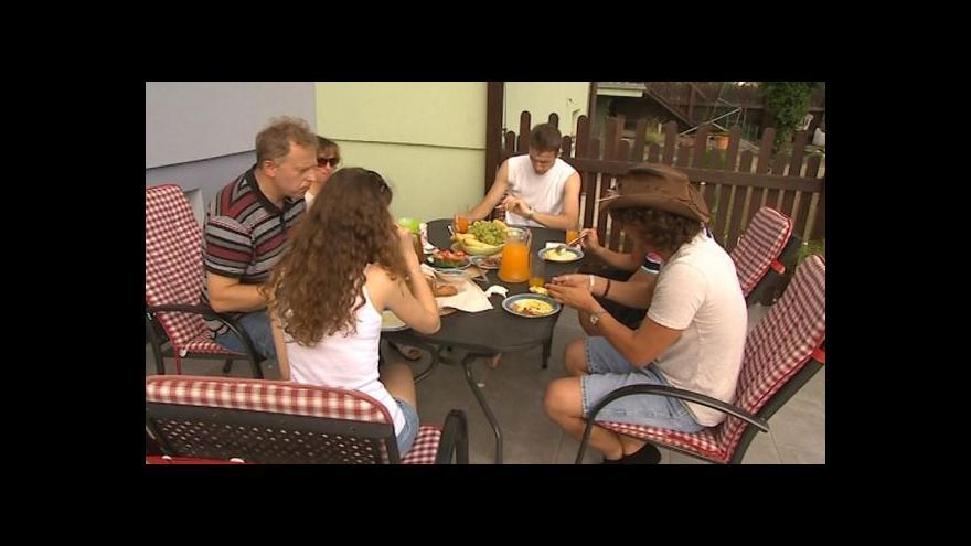 Video Hovoří syn hostitelů z Kunovic Roman Škrášek