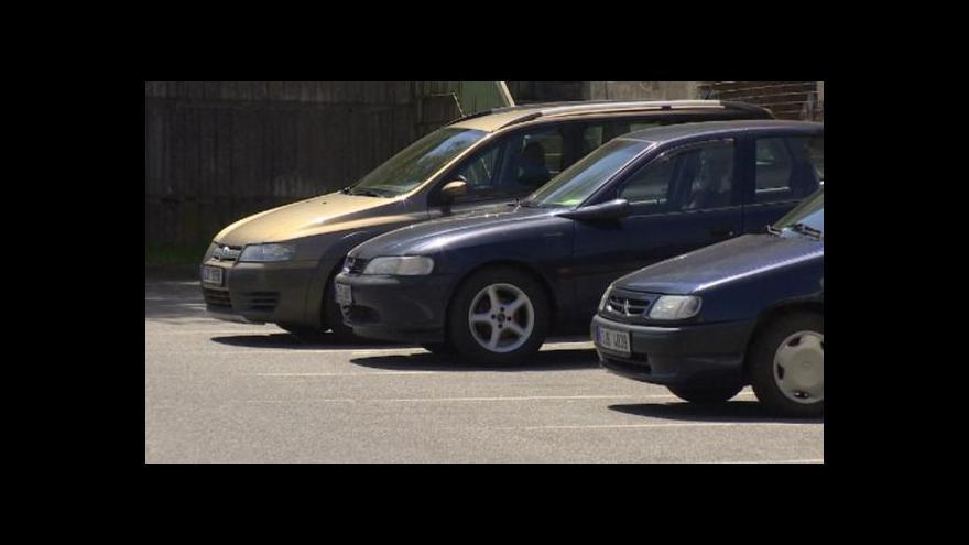 Video Mluvčí strážníků a zakladatel projektu o špatném parkování