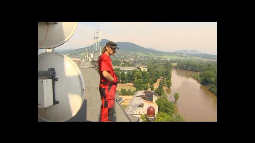 Video Strážce signálu během povodní