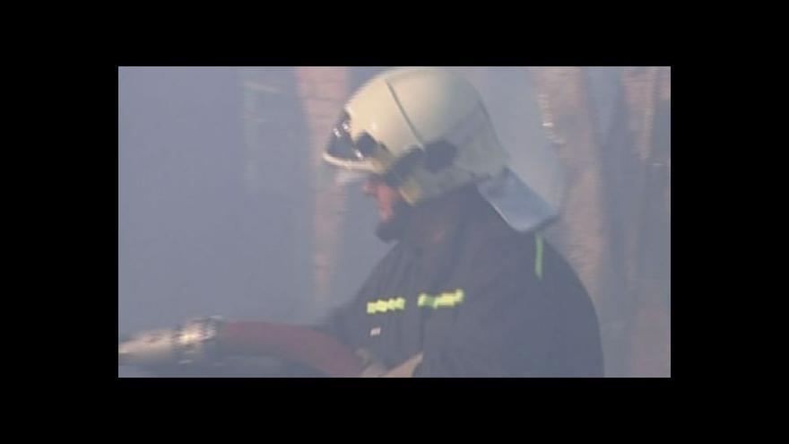 Video Požár zlikvidoval základnu archeologů - archivní záběry