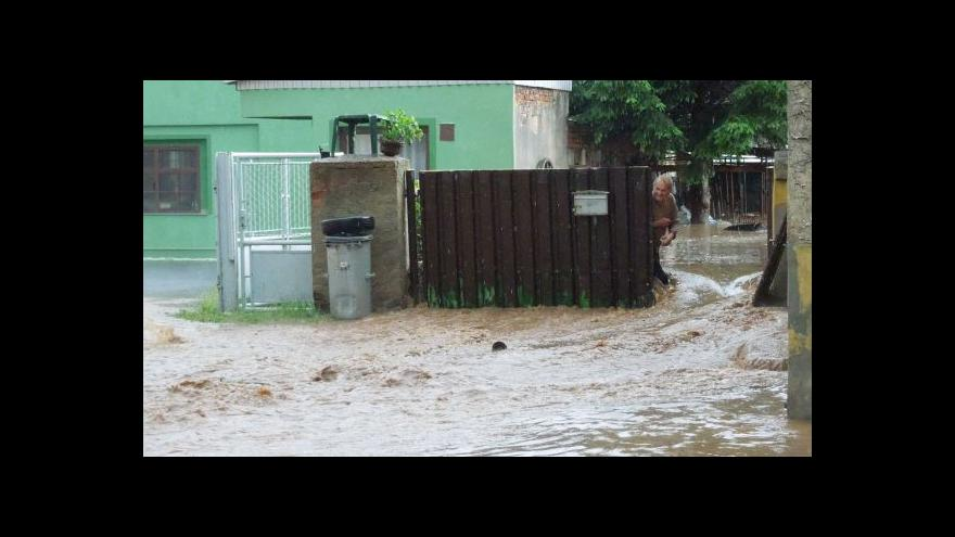 Video Lubenec se ocitl pod vodou