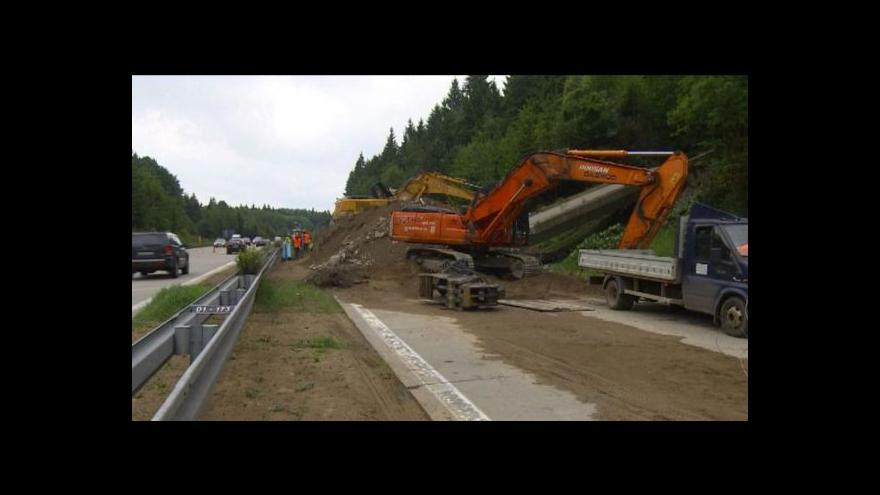 Video Likvidace mostu na D1 brzdí dopravu