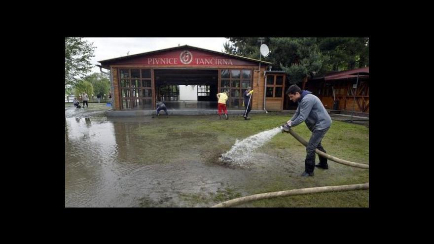 Video Ve Žlutých lázních začal po povodních úklid