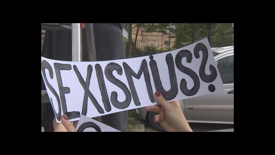 Video NO COMMENT: Happening k zahájení 5. ročníku Sexistického prasátečka