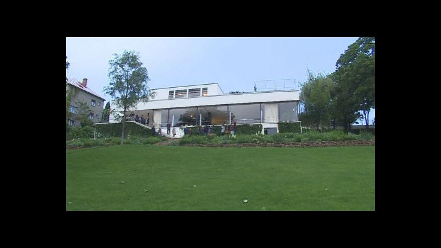 Video Vnuk Miese van der Roheho Dirk Lohan o svém vztahu k vile