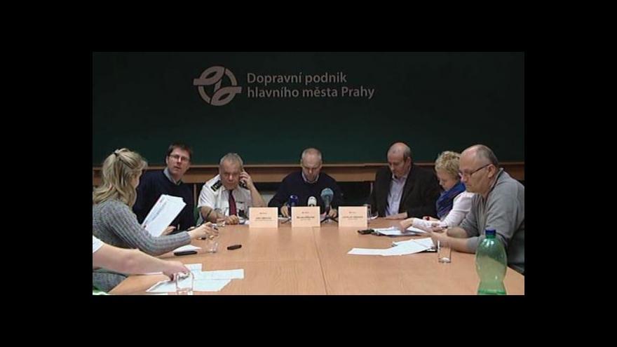 Video Brífink Dopravního podniku hlavního města Prahy k situaci ve městě