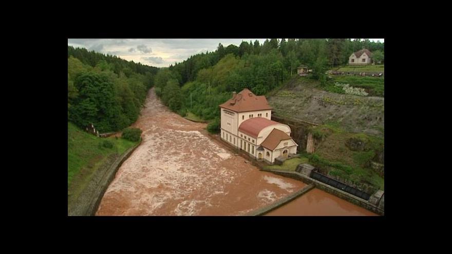 Video Povodně v okolí Dvora Králové