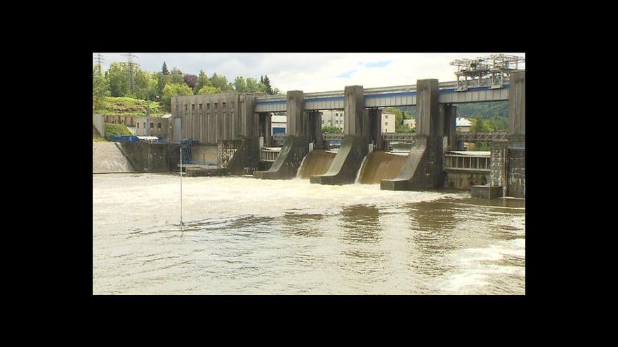 Video Velká voda ve Štěchovicích, Radotíně a Lipencích