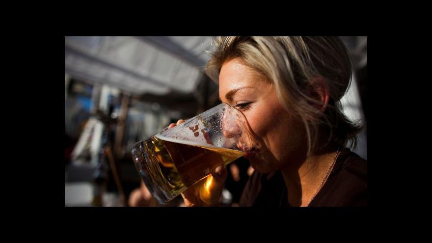 Video Alkoholismus léčit mírným množstvím
