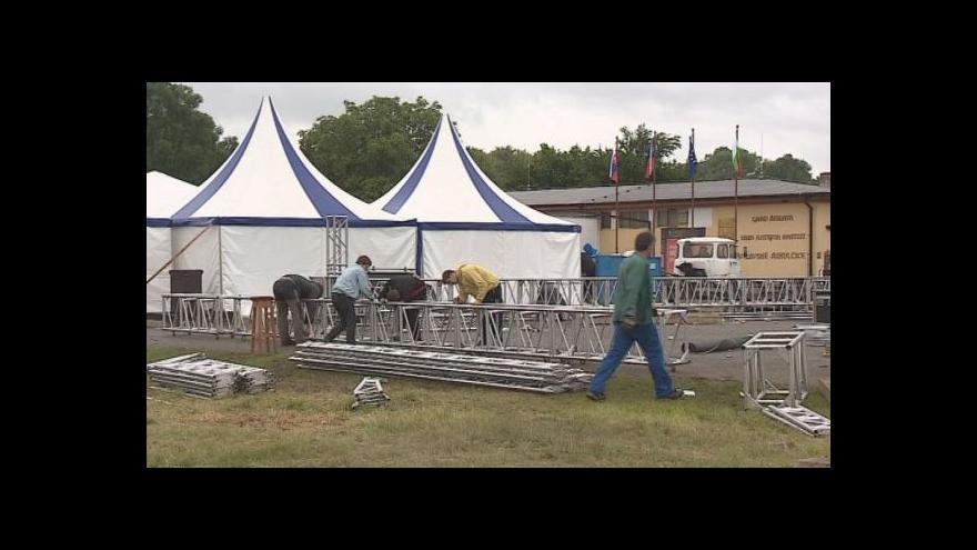 Video No comment: úklid mikulčického areálu