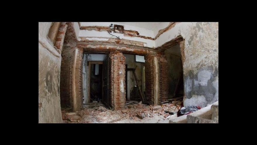 Video Přednádraží: Stavební úřad nařídil demolici dalších pěti domů