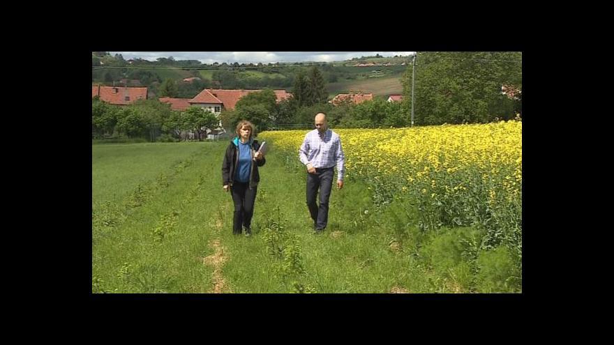 Video Anna Marková popisuje situaci na svém pozemku