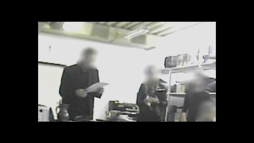 Video Překupníci zabavené věci skupují ve velkém pod cenou