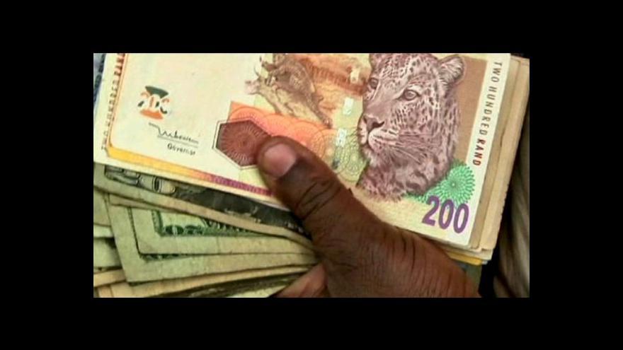 Video Banky v Zimbabwe nemají dostatek měn