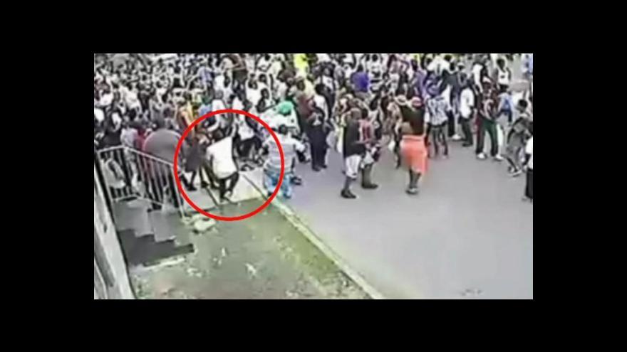 Video Průvod v New Orleansu zasáhla střelba