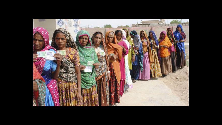 Video Pákistánské volby vyhrál expremiér Naváz Šaríf