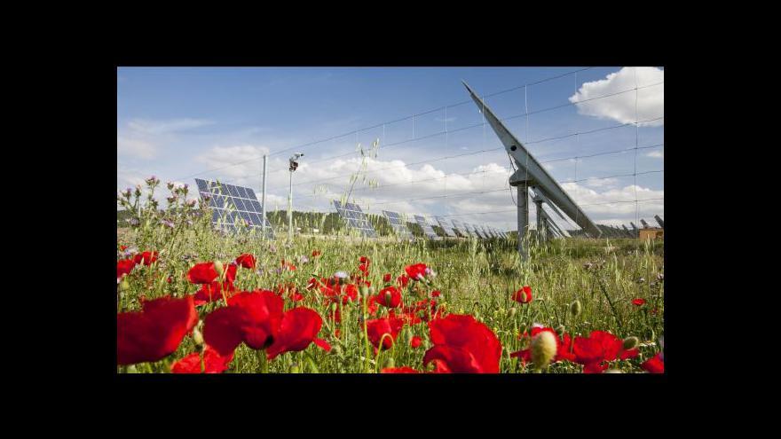 Video Slunečné počasí nechybí jen lidem, ale i solárním elektrárnám