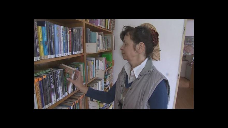 Video Knihovnice Jarmila Urbánková dětem dokonce dělá palačinky