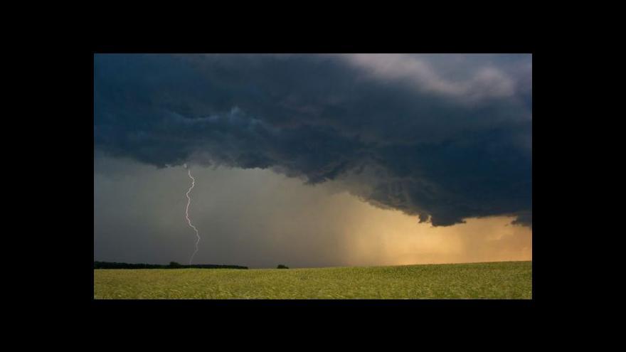 Video Bouřka nadělala vrásky stovkám obyvatel Studénky