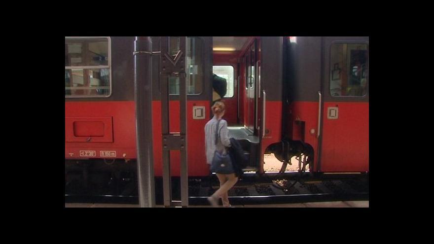 Video Českou Třebovou některé vlaky míjí, podle kraje zbytečně