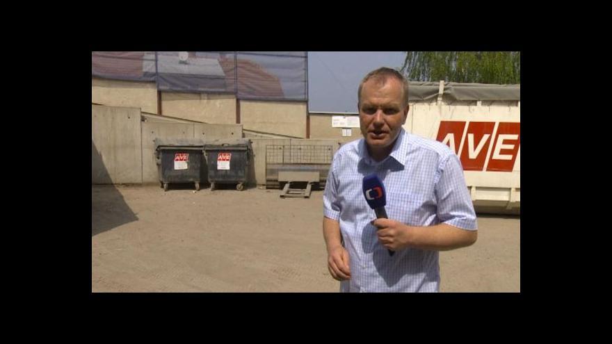 Video Překladiště přímo pod okny trápí obyvatele Třebíče zápachem