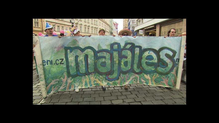 Video Na pražském Majálesu zahrály studentské kapely