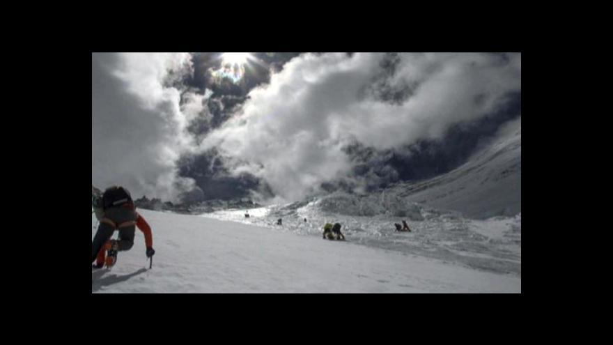 Video Události - Rvačka na Mount Everestu
