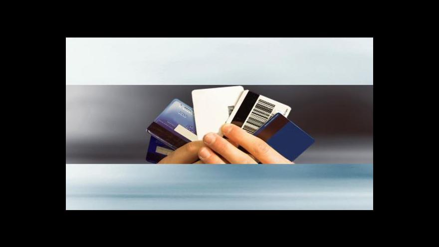 Video Řada Čechů si s kreditními kartami neví rady
