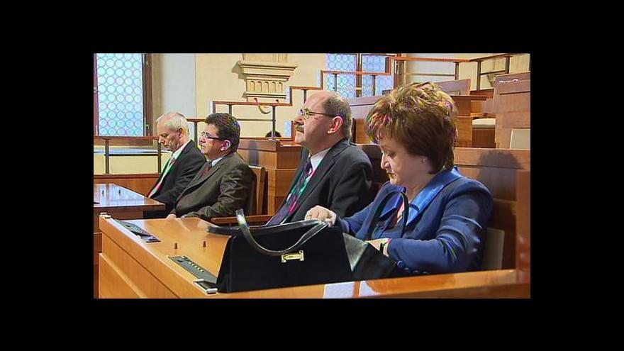Video Zeman prosadil v Senátu čtyři nové ústavní soudce