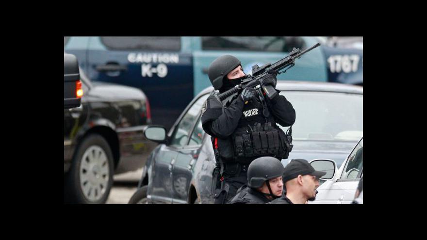Video Události k pátrání po bostonských atentátnících