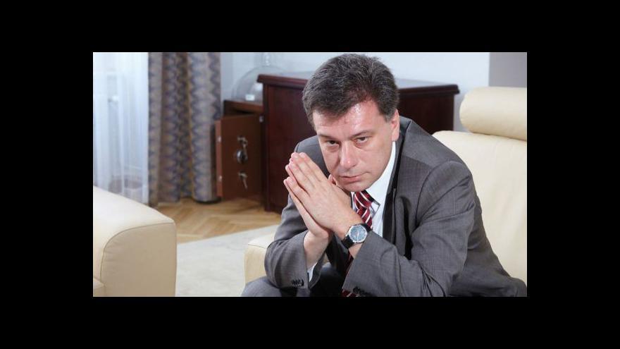 Video Ministr Pavel Blažek se zastal Lenky Bradáčové