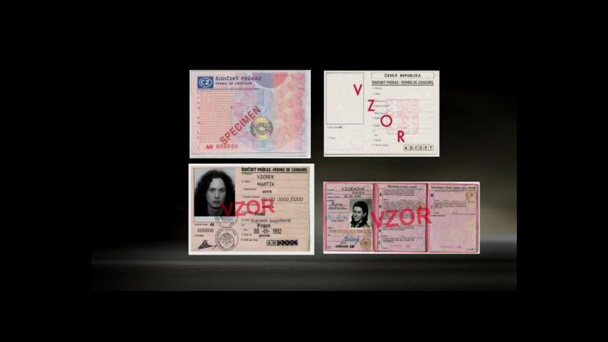 Video Lidé se na výměnu řidičáku nehrnou