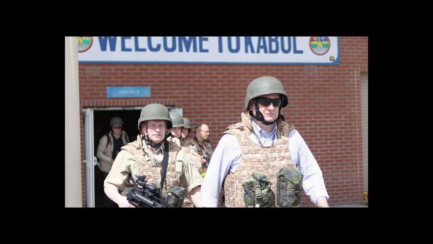 Video Kamery ČT byly při návštěvě premiéra Nečase v Afghánistánu