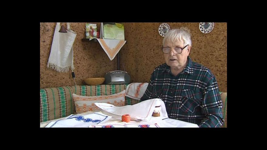 Video Antonín Vrba vypráví o životě muže-výšivkáře