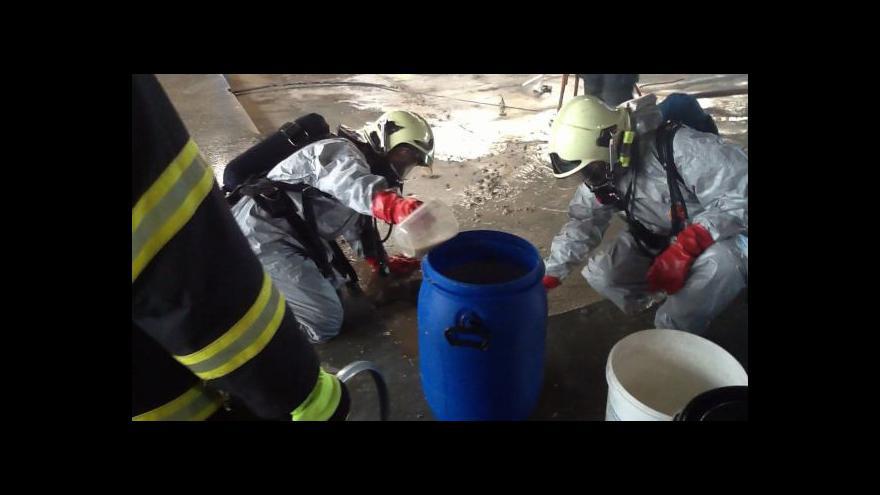 Video No comment: Zásah hasičů při úniku čpavku