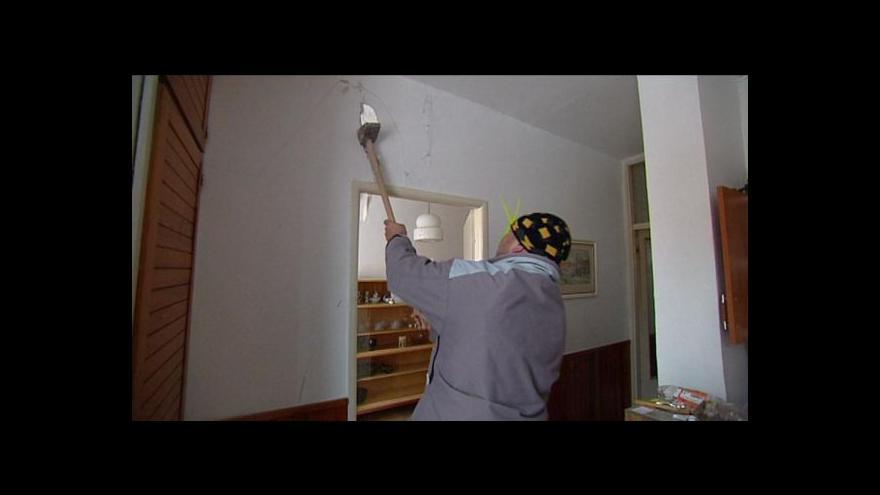 Video Zabezpečování frenštátského domu pokračuje