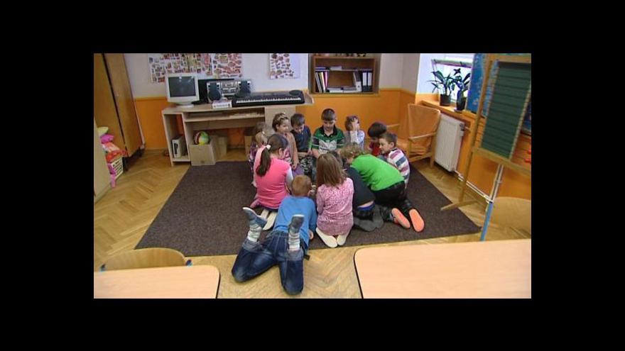 Video Přemysl Šrámek o nevidomé žákyni v Pilníkově