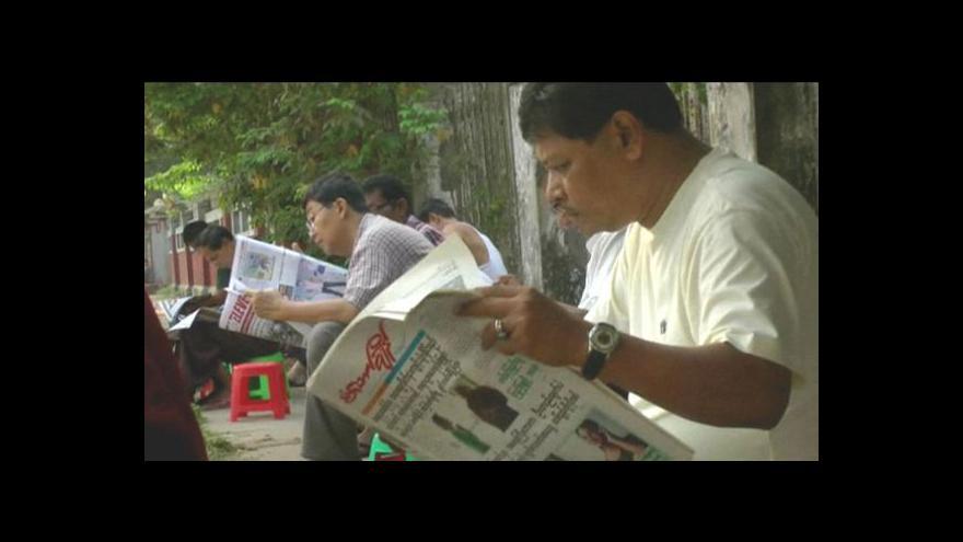 Video V Barmě začaly vycházet soukromé deníky