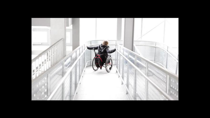 Video Handicapovaní si stěžují na sociální reformu