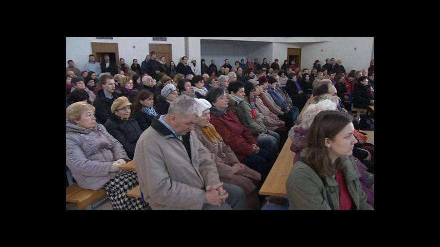 Video NO COMMENT: Velkopáteční obřad kostela Panny Marie Pomocnice křesťanů